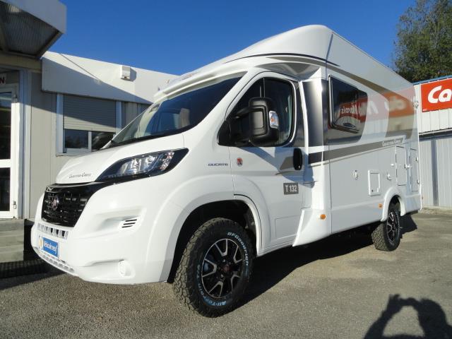 carado t132 cross track camper camping car profil neuf caravaning du marais chamb ry en. Black Bedroom Furniture Sets. Home Design Ideas