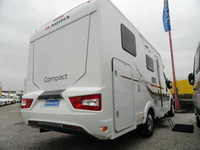 adria compact plus sl camping car profil neuf caravaning du marais chamb ry en savoie. Black Bedroom Furniture Sets. Home Design Ideas