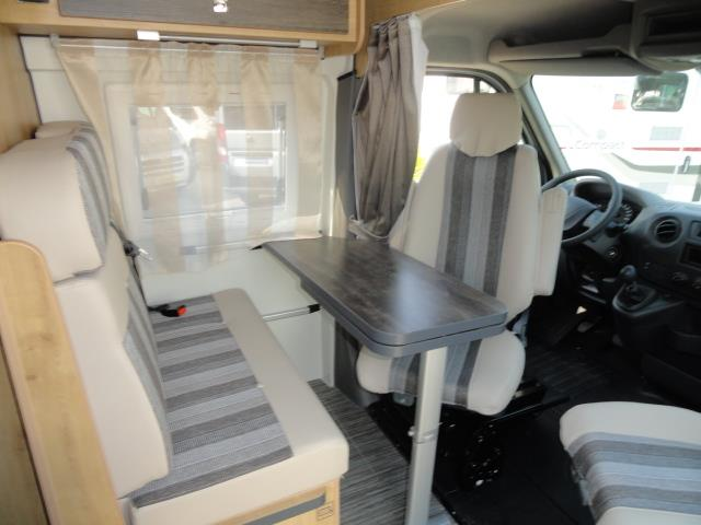 font vend me master van xs camping car fourgon neuf caravaning du marais chamb ry en savoie. Black Bedroom Furniture Sets. Home Design Ideas
