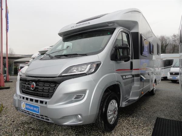 vente de camping car neuf en savoie achat de camping car neuf sur chambery caravaning du marais. Black Bedroom Furniture Sets. Home Design Ideas
